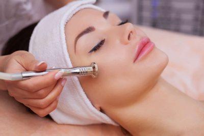 Tratamentul facial microdermabraziune